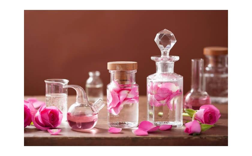 Prodaja parfema - tri omiljena parfema Francuskinja